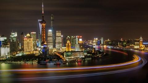 外滩区域彩灯开放首日未现大客流 上海4万余警力保平安