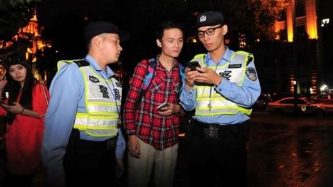 【爱上海爱申活】外滩美景无暇赏 公安学警国庆无休全员上岗