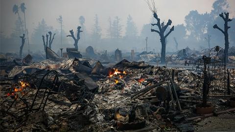 加州北部发生森林大火  殃及酒乡纳帕