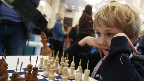 每天1小时,国际象棋将成俄罗斯小学生必修课