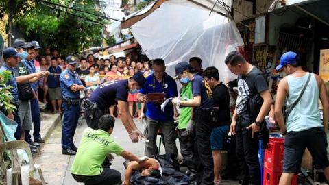 菲总统:缉毒署为扫毒行动唯一领导机关,请警方退场