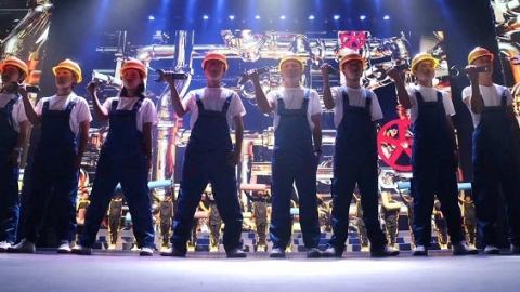 上海职教新星踏上大剧院红毯 中职校微电影节助威世技赛