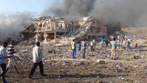 摩加迪沙一酒店发生爆炸袭击 至少40人死亡