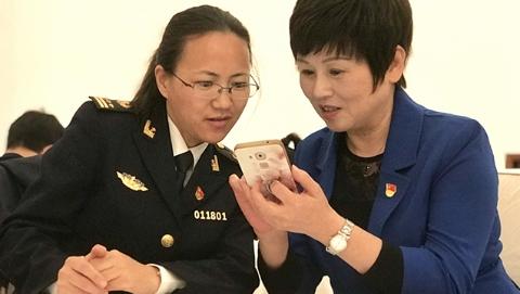"""上海代表寄语十九大:期待盛会为""""两个一百年""""勾画蓝图"""