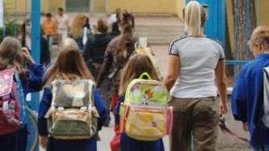 四海城事   意大利中学出新规:14岁以下学生不得独自回家