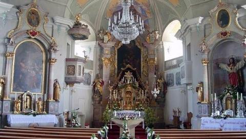 奥地利一教堂内百年珍宝被偷走