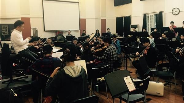 探班上海音乐学院民族歌剧《贺绿汀》的排练现场