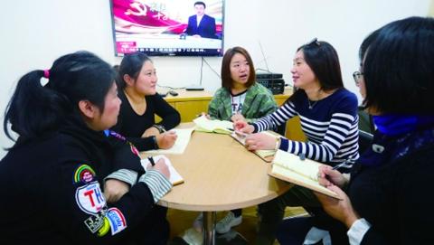 我与十九大心连心   上海市民心潮澎湃:生活会越过越有滋味
