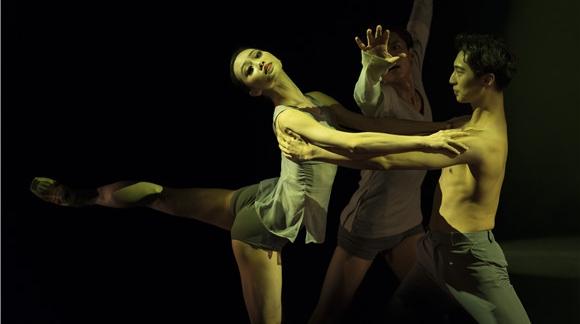 """从现代芭蕾《难说再见》看上芭年轻的""""制作体""""成长"""