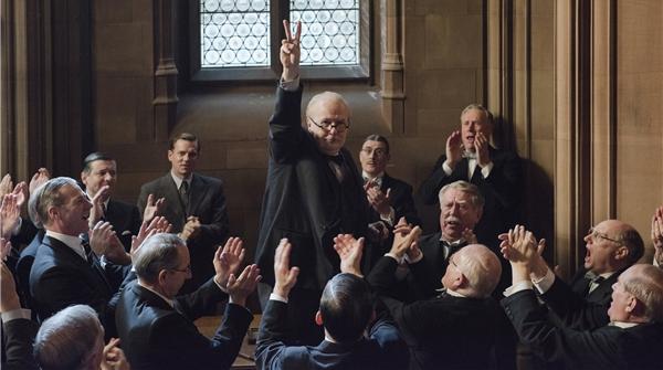 继《敦刻尔克》之后,《至暗时刻》告诉你丘吉尔当时在做什么