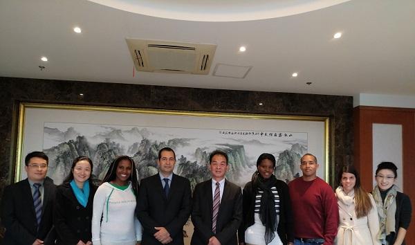 图说:古巴总领事首次造访上海海洋大学 来源:上海海洋大学.jpg