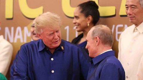 美俄总统未在APEC峰会正式会谈 仅合影时握手寒暄