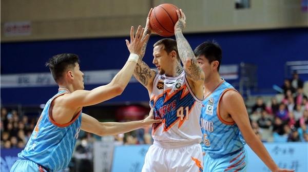 场均超过15个!上海男篮成CBA最擅长投三分球的球队