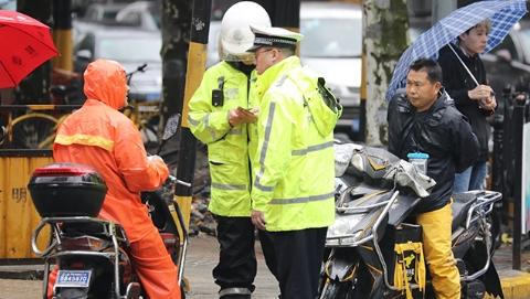 交通事故占总数六成以上 今起上海交警重拳整治非机动车违法