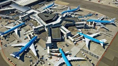 荷兰机场险象环生,飞行员每天心都吊在了嗓子眼