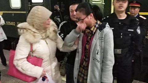 同一天内竟有两名少女坐火车离家出走  幸遇上海铁警及时找回!