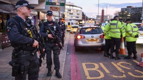 美国务院发布赴欧旅游警告 恐怖袭击风险在假期季增大