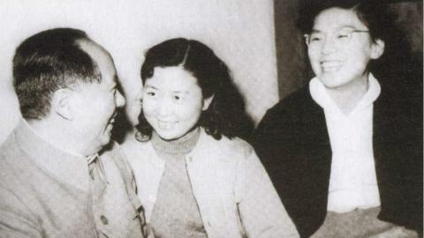 """毛主席用三种语言说""""世界"""" 上海留苏学子深情回忆毛泽东60年前在莫斯科大学发表讲话:""""世界是你们的……"""""""