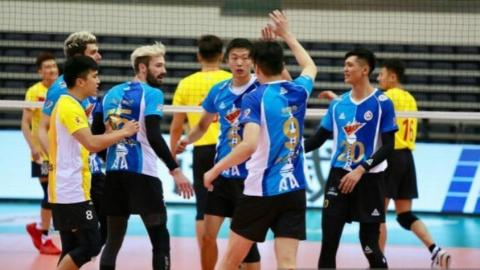 全国男排超级联赛 上海客场3比1战胜山东