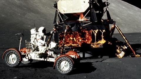 """阿波罗17号登月真实性遭质疑 或为""""惊天骗局""""?"""
