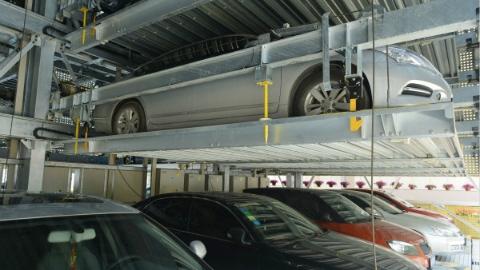 地下机械车库业主擅自操作损坏他人车辆