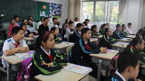 家门口好学校 | 南汇二中:学生最期待老师家访 家校关系相当紧密