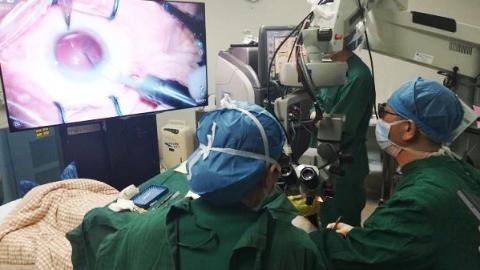 眼科手术开启3D模式 白内障手术仅需7分钟