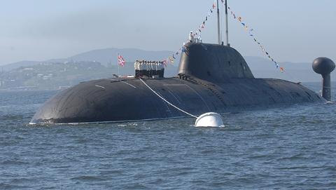 """谁登上""""普京的核潜艇""""?"""