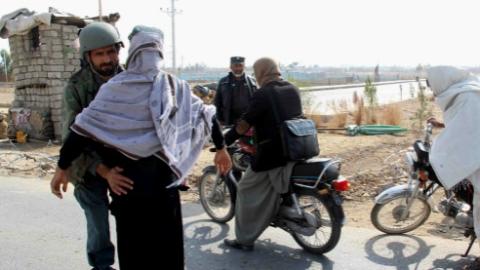 """""""伊斯兰国""""与塔利班交火"""