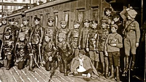 胜利轨道:苏俄装甲列车传奇