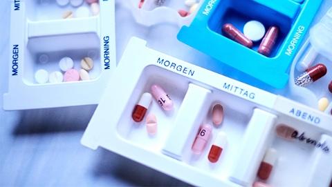 110位法国医生专家联名指责:抗癌药价格太高