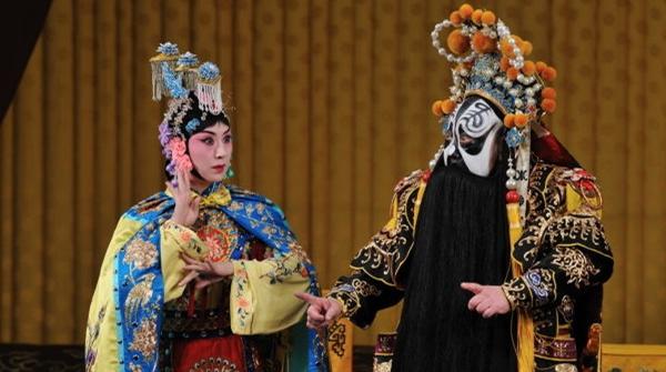 史依弘的室内乐版京剧《霸王别姬》和传统版有何不同?