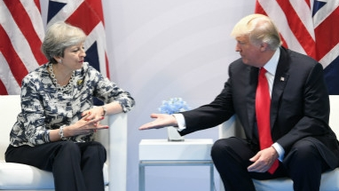 """英美领导人互怼,""""特殊关系""""崩塌?"""