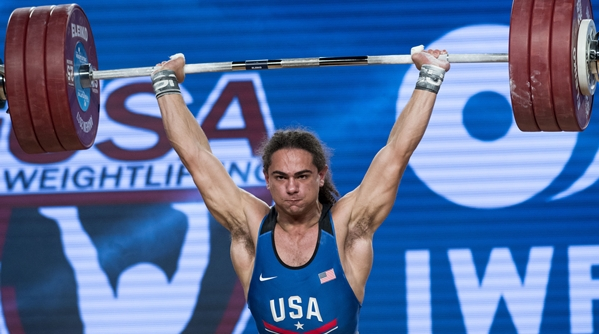 """前体操选手""""跨界""""举重世锦赛 为美国结束20年奖牌荒"""