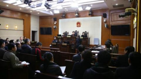 """强化""""关键少数""""法治意识 杨浦区组织领导干部旁听案件审理"""
