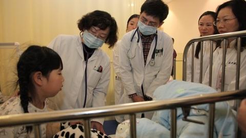 浦东儿科医联体再深入:儿中心东方医院分部挂牌成立