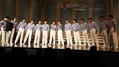 """""""军之声""""合唱团成立10周年汇报演出唱响上海音乐厅"""