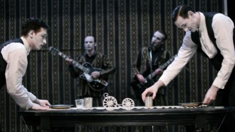 荷兰荒诞喜剧《一主二仆》为上海国际喜剧节完美收官