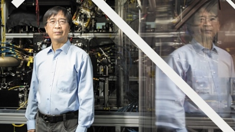 感动上海感动世界!中国物理学家潘建伟入选2017《自然》年度十大科学人物