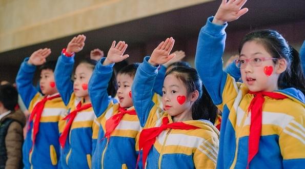 人人都上场 沪一师附小鼓励学生唱出家国情怀