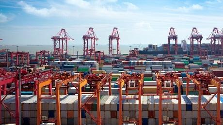 年吞吐量4000万+ 上海港创全球集装箱运输最高纪录
