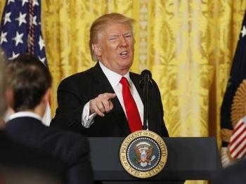 特朗普火力全开怼媒体 开记者会只为骂山门?