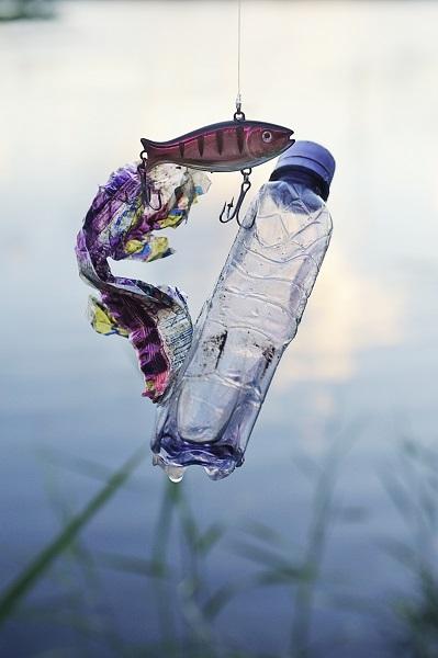 孟加拉湾和地中海等发现的垃圾带让人们终于意识到,微塑料垃圾已在