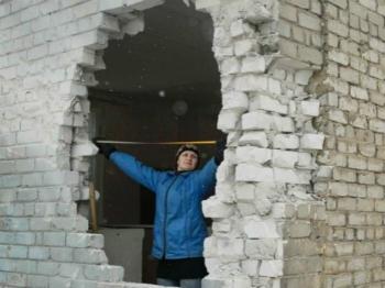 俄临时承认乌东部居民身份证件 可免签进出俄