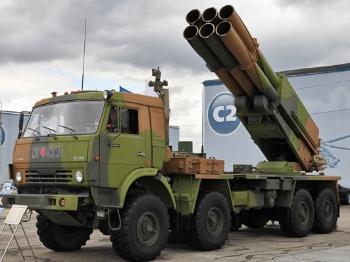 """【科技】俄""""龙卷风-S""""将配备卫星制导火箭弹"""