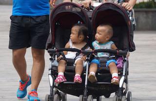 复旦研究报告:上海托育供给严重不足