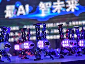 """申城机器人""""总动员"""" 竞争上岗《机智过人》"""