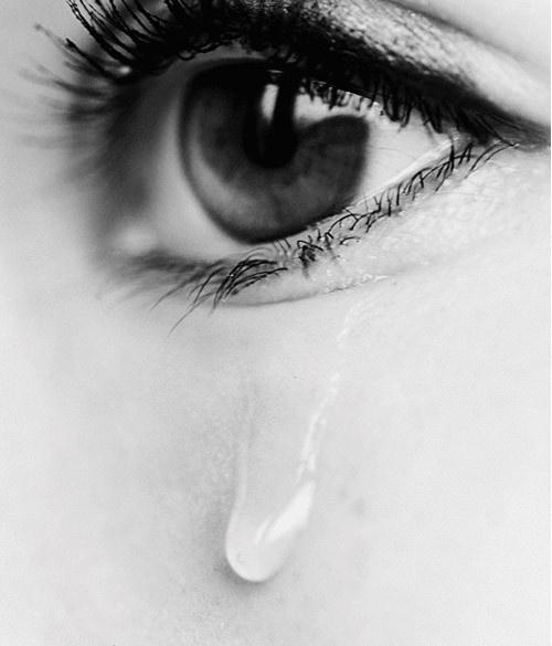 别让眼泪迷了眼!