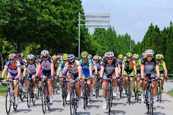 环崇明岛女子公路自行车赛明开幕