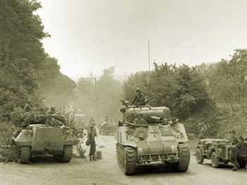 """【战史】73年前,美德坦克""""果园肉搏"""""""